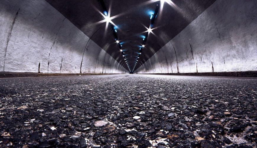 Jak beton może się sprawdzić w tunelach oraz estakadach drogowych?